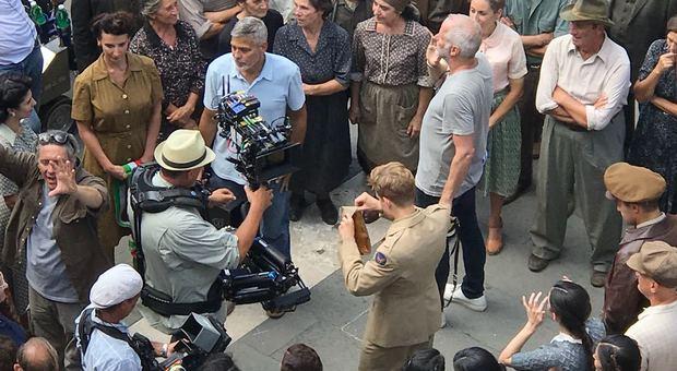 George Clooney durante le riprese a Sutri
