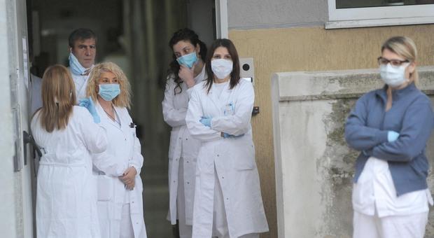 Covid a Roma, rischio seconda ondata: via alle assunzioni di medici e infermieri