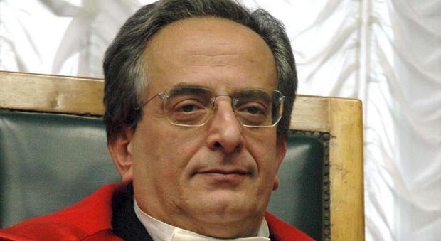 Il Procuratore di Taranto arrestato per corruzione: pressioni su una giovane pm. «La chiamava 'la mia bambina'»