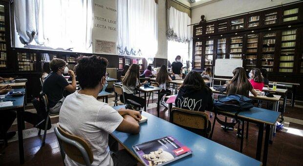 Scuola, riunione Cts-governo per la riapertura: tra le ipotesi il rinvio della didattica in presenza