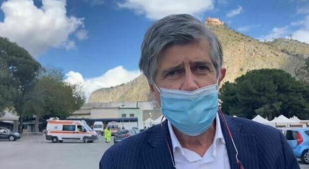 Da Roma a Palermo per vaccinarsi con AstraZeneca: «Altrimenti avrei dovuto aspettare»