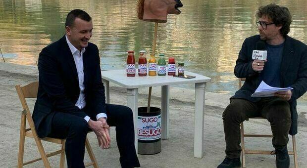 Rocco Casalino a Striscia la Notizia: «Per 2 milioni di euro pronto a fare da portavoce a Berlusconi». Poi la rivelazione choc