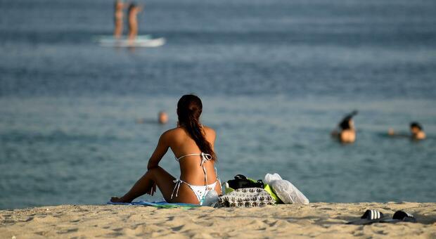Vacanze, ecco le 5 regole per viaggiare sicuri. Coldiretti: «Un italiano su 4 non partirà»