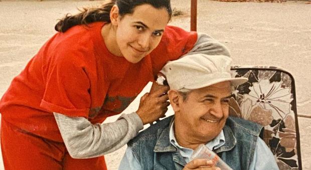 Barbara D'Urso, la foto inedita con il padre: «Mi manchi». Ma i fan notano un dettaglio: «Com'è possibile?»