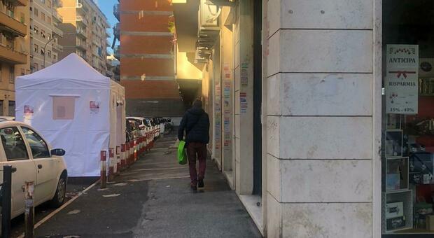 Roma, tamponi e test Covid da oggi anche in farmacia: risposte in 15 minuti