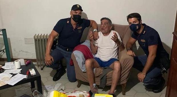 «Non mangio da giorni», la telefonata commuove i poliziotti: fanno la spesa e cucinano per il pensionato solo