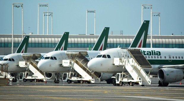 Alitalia, il governo: il consorzio non esiste più, per ora non c'è soluzione di mercato