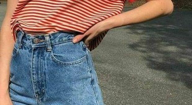 India, ragazza di 17 anni uccisa a bastonate dagli zii: punita perché indossava jeans e una t-shirt