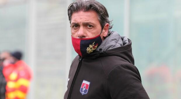 Mister Giuseppe Laterza, allenatore del Taranto