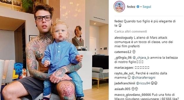 Chiara Ferragni, Fedez e la tenera foto con Leone in camicia. Ma i fan notano un particolare: «Fa paura»