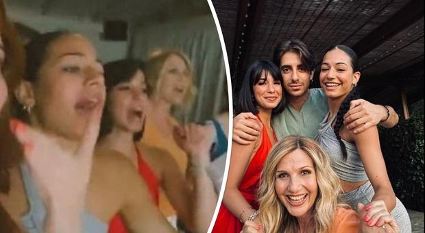 Amici 20, alla reunion a casa di Lorella Cuccarini cala l'imbarazzo: saltano fuori gli ex