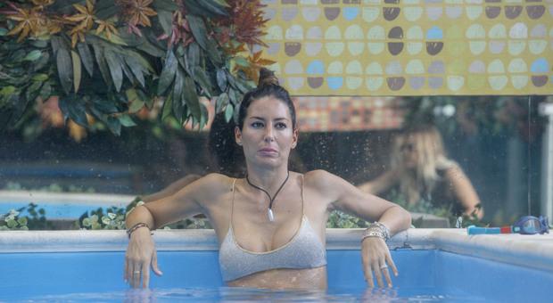 GFVip, Elisabetta Gregoraci scarica Pierpaolo Pretelli in lacrime. L'accusa a Pomeriggio 5: «Amicizia ma con il c*** di fuori» (credits Endemol)
