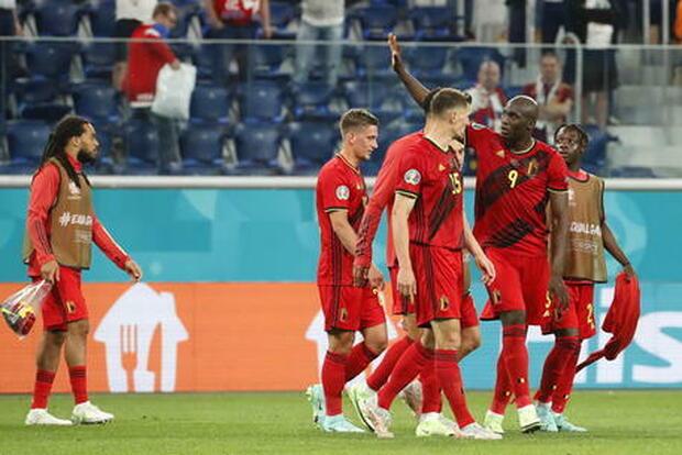 Danimarca-Belgio, diretta ore 18. Formazioni ufficiali: c'è Kjaer per gli scandinavi, Martinez a destra con Meunier