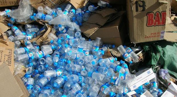 «Non siamo la vostra discarica», la Malesia rispedisce 3737 tonnellate di plastica ai paesi più ricchi del mondo