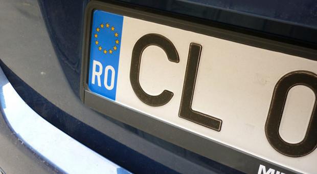 Furbetti della targa straniera, prime vittime delle nuove norme: auto sequestrate