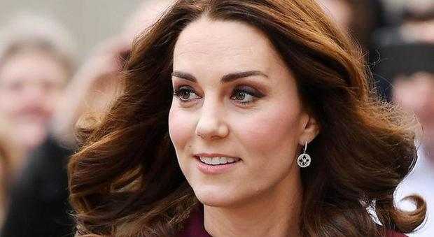 Kate Middleton, la regola severa con i figli George e Charlotte: «Non possono farlo...»