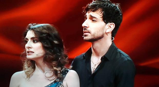 Ballando, il gesto choc di Elisa Isoardi e Raimondo Todaro fa infuriare la giuria: «Prendete una penalità -10»