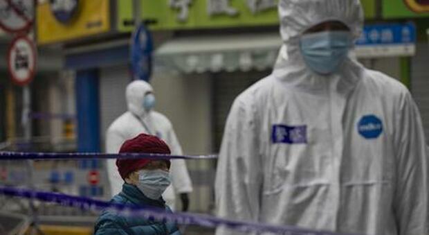 A Wuhan torna il lockdown per la variante Delta: «Tamponi per tutti gli 11 milioni di abitanti»