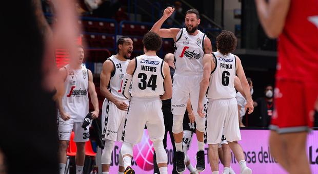 Basket, finale scudetto: Bologna sbanca Milano e va sul 2-0