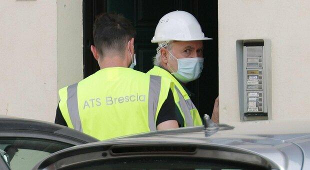 Brescia, incidente sul lavoro: operaio cade nella tromba dell'ascensore e muore