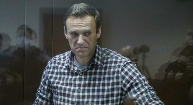 Navalny ricoverato per difficoltà respiratoria: tosse e febbre alta, rischio tubercolosi