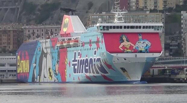 C è una falla sul traghetto, Moby Nuraghes parte con un maxi ritardo: rivolta dei passeggeri a bordo.