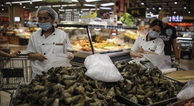 Coronavirus, verso i 10 milioni di contagi nel mondo, record di casi negli Usa. Brasile nuovo focolaio