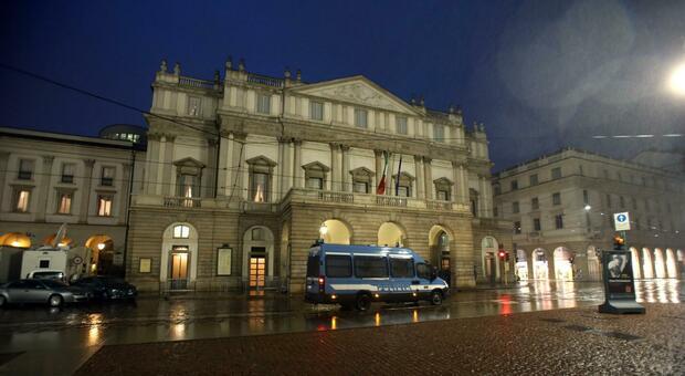 Milano, alla Scala focolaio Covid nel corpo di ballo: almeno 35 positivi