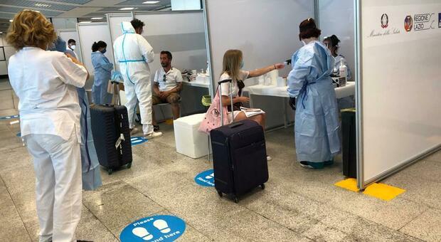 Virus, primo positivo ai test all'aeroporto di Fiumicino: giovane abruzzese in isolamento. Rientrava da Malta