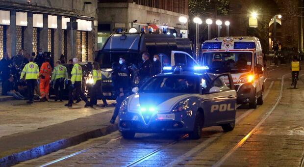 Milano, notte di scontri nei luoghi della movida per violazione di assembramenti e coprifuoco
