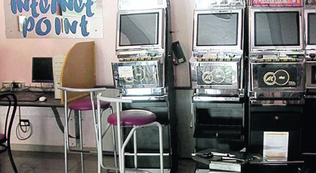 Barista toglie slot machine