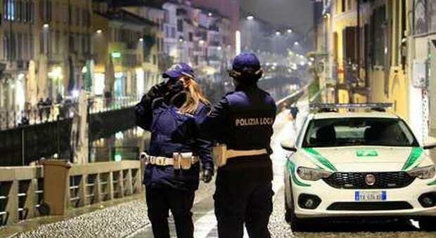 Covid, Ricciardi insiste: «Ci vuole lockdown a Napoli e Milano. Ci si può contagiare anche al bar»