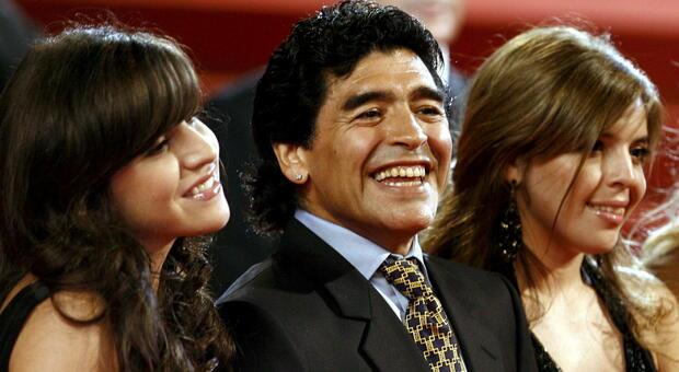 Diego Armando Maradona, tutte le sue donne: dalla moglie Claudia al flirt con Heather Parisi