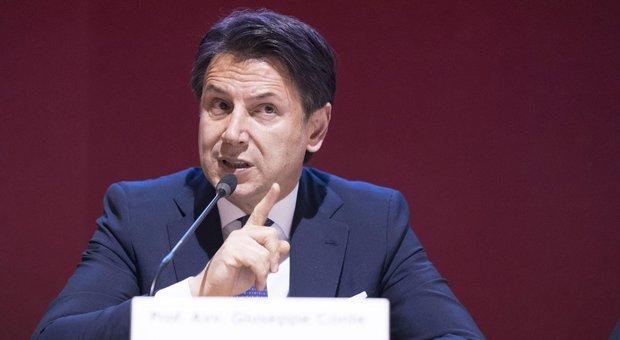 Governo, Conte lavora ad una maggioranza senza Renzi