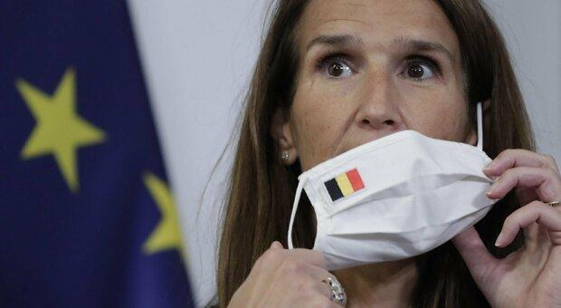 Covid, grave la ministra degli esteri del Belgio: Sophie Wilmés, 45 anni, è in terapia intensiva per Covid