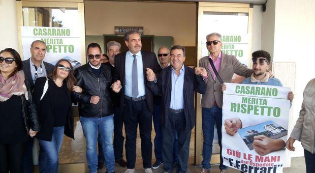 No al trasferimento di Chirurgia Pediatrica: i cittadini e il sindaco occupano l'ospedale