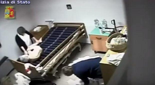 Maltrattamenti nella casa di riposo, il video choc: