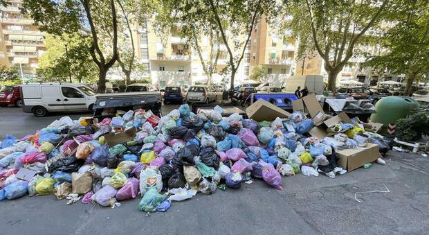 Roma, rifiuti: la discarica di Albano rischia di non aprire