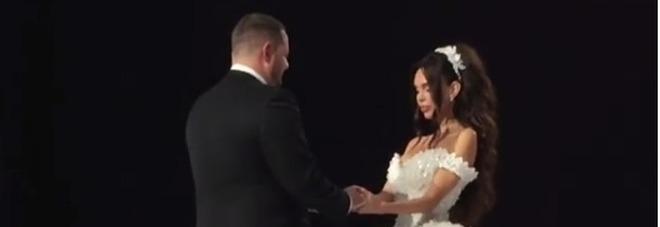Russia, il matrimonio più lussuoso dell'estate 2017 con un anello di 7 milioni di euro e una torta di 8 piani