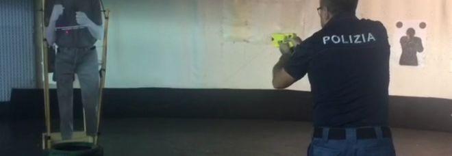 La pistola taser a Brindisi in uso alla polizia