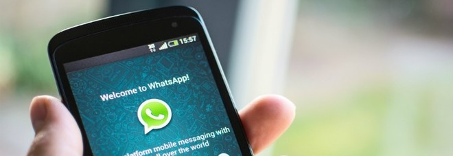 """Whatsapp, occhio ai tradimenti: ecco la nuova funzione che scopre la """"scappatella"""" del partner"""