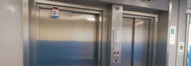 Lungo blackout al Perrino: ascensori e incubatrici in tilt