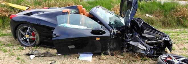 La Ferrari 458 coinvolta nell'incidente