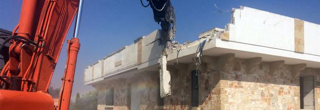 Otranto, abbattuta la villa abusiva trasformata in un Bed&breakfast