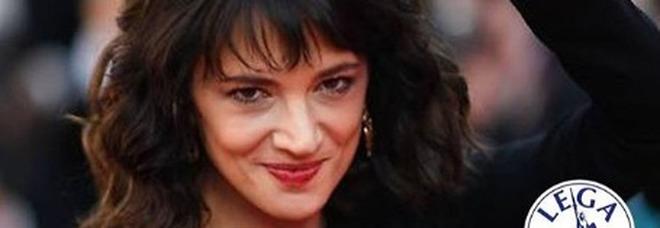 Asia Argento provoca Salvini: «E se invece decidessi di esserci l'8 dicembre?»