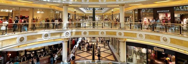 Falso allarme bomba a euroma2 evacuato il centro commerciale - Allarme bomba porta di roma ...