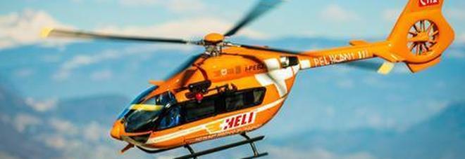 Fulmine sfiora escursionisti: sette feriti all'ospedale