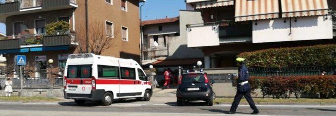 La madre le vieta di uscire di casa, studentessa si cala dalla finestra e precipita a Milano
