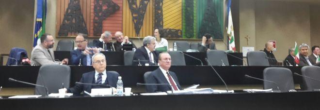 """""""Siluro"""" dei franchi tiratori di maggioranza a Emiliano: bocciata la legge sull'agenzia per la xylella"""