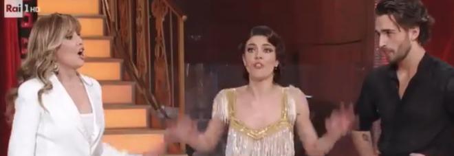 Ballando, Cristina Ich e la parolaccia agli avvocati dell'ex fidanzato di Jessica Notaro: «F***». Milly Carlucci su tutte le furie (frame Rai)